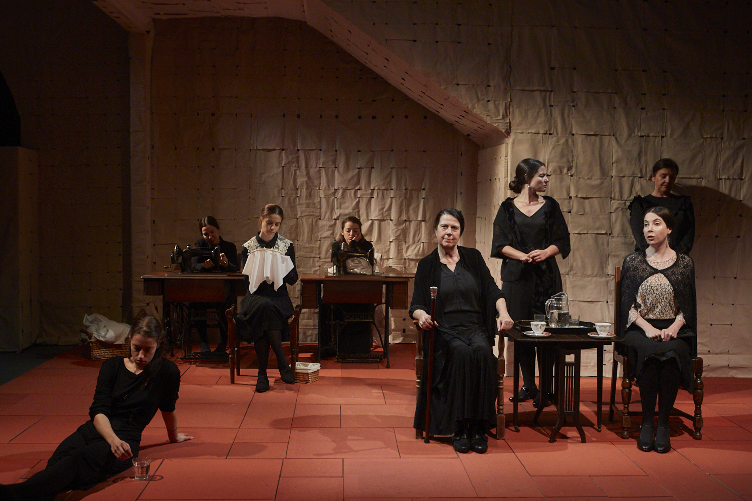Photo of the cast of La Casa de Bernarda ALba at the start of the third act